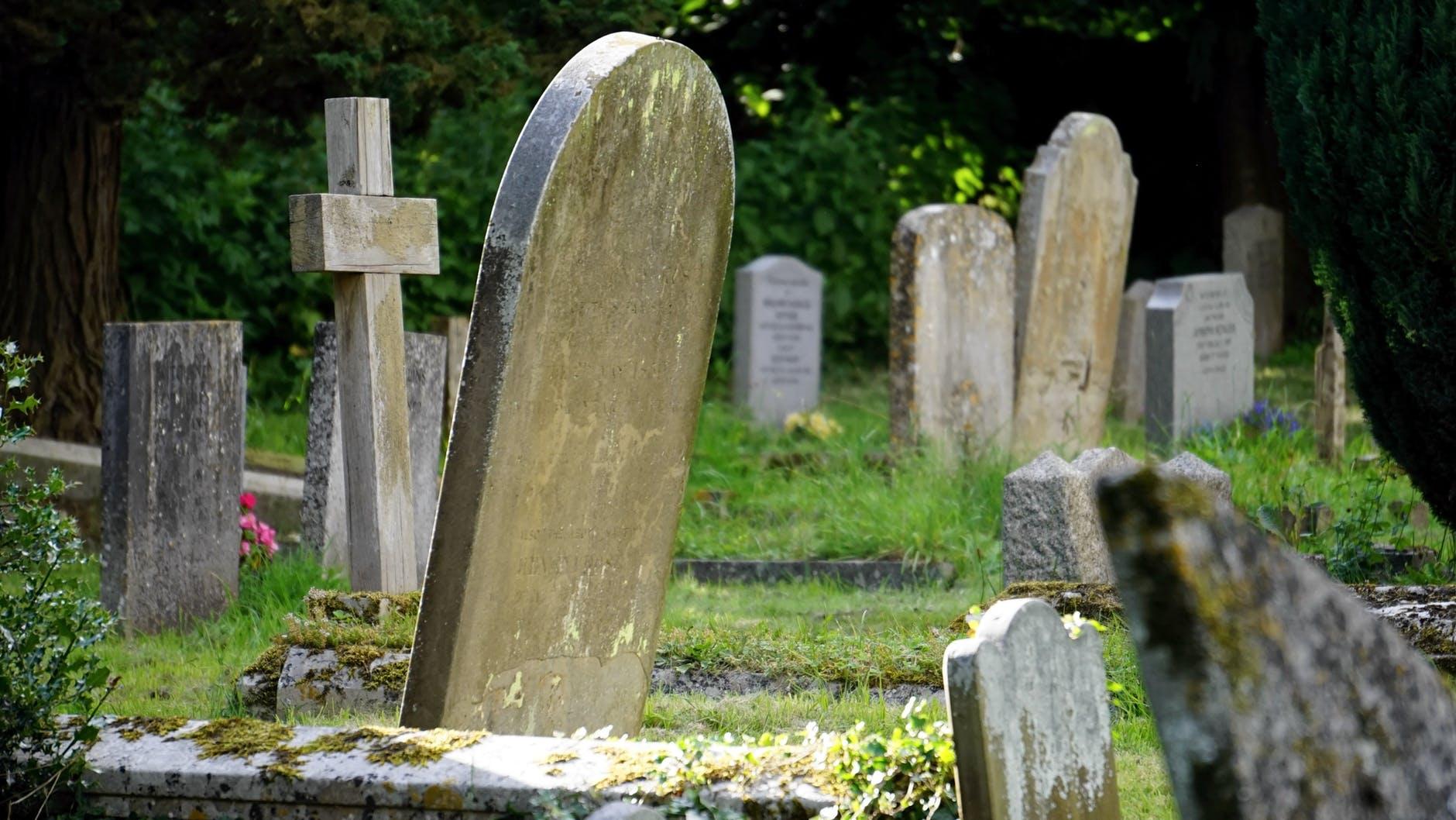 burial cemetery countryside cross